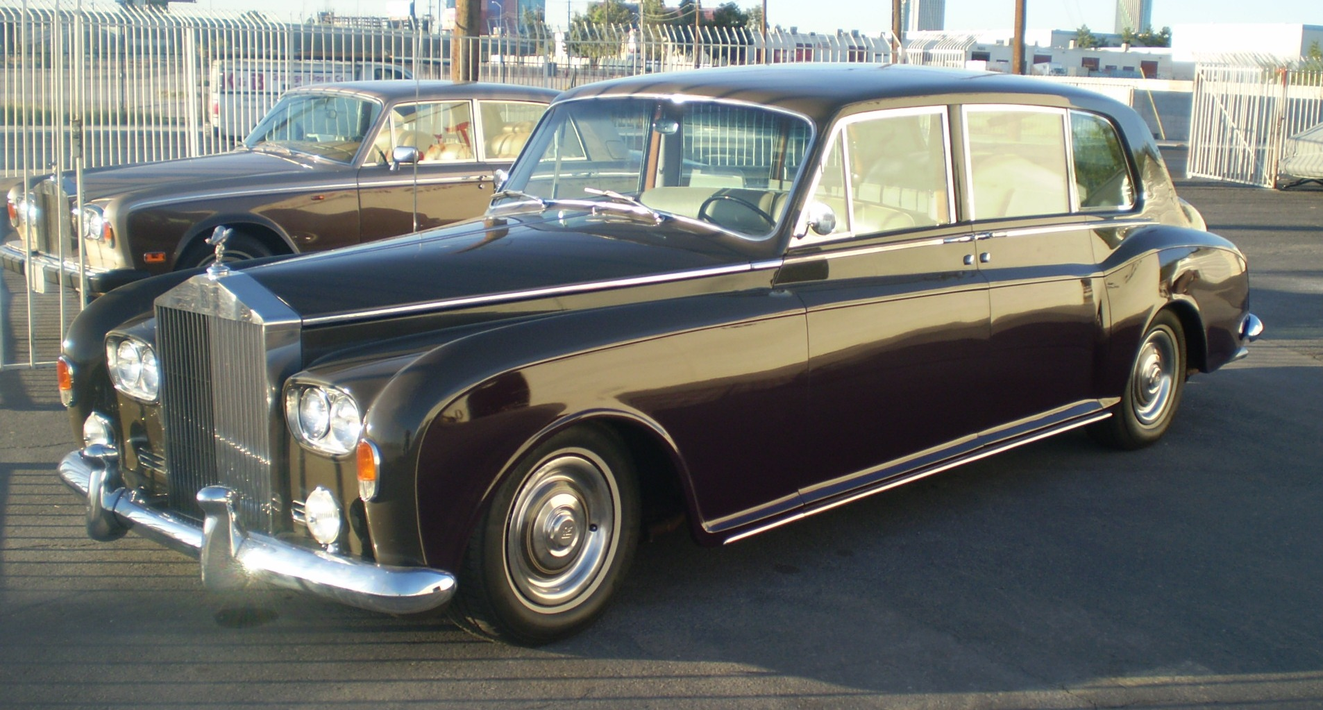1964-Rolls-Royce-Phantom-V Front-Side View