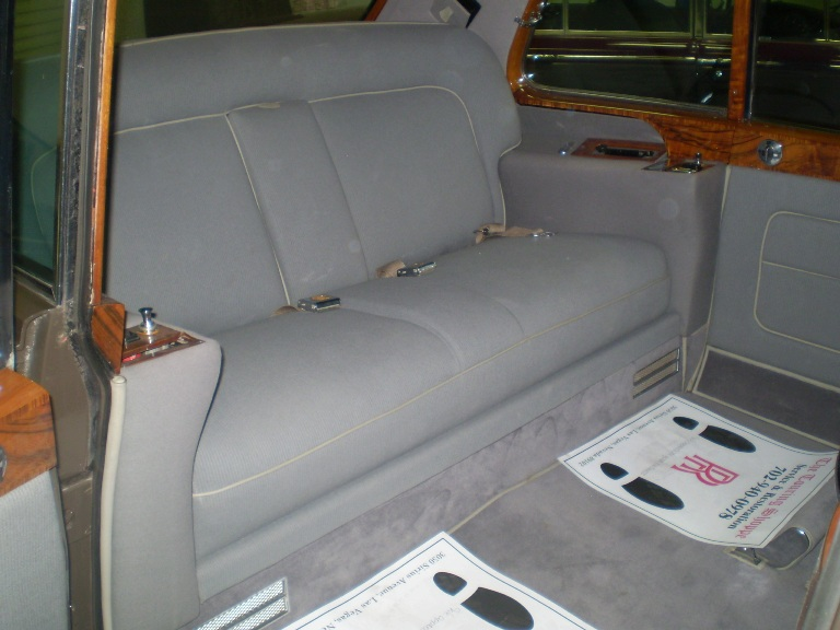 1964-Rolls-Royce-Phantom-V-Interior back set