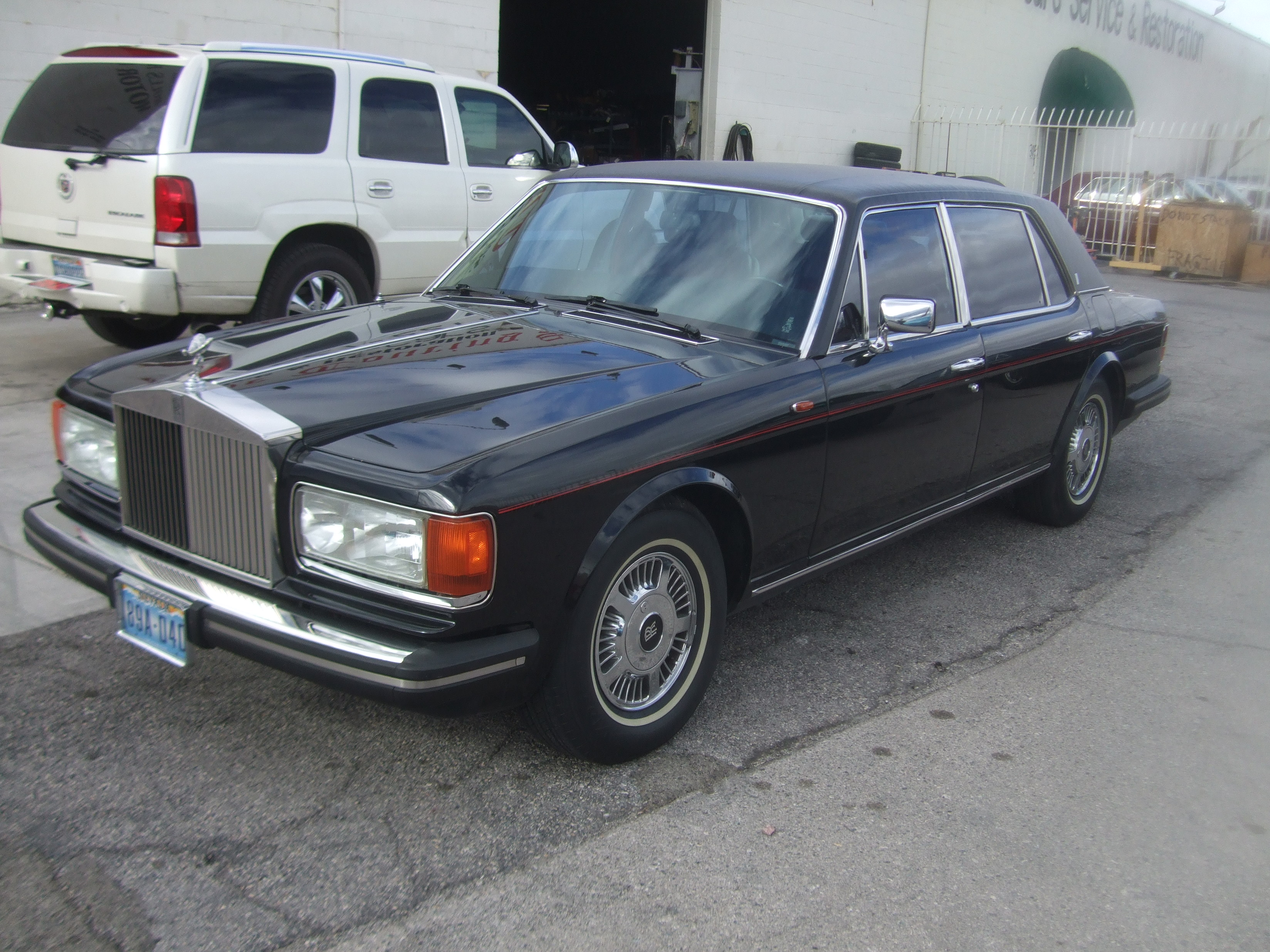 1982-Rolls-Royce-Silver-Spur-Front Left side